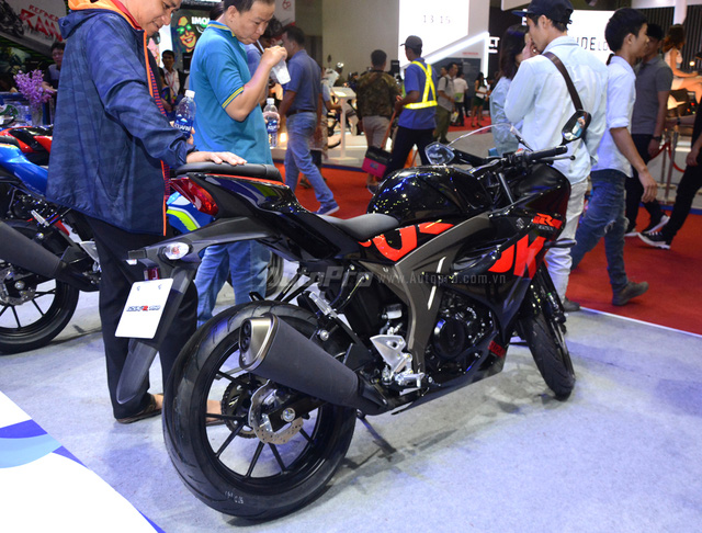 Cận cảnh Suzuki GSX-R150, đối thủ chính của Yamaha R15 và Honda CBR150R - Ảnh 5.