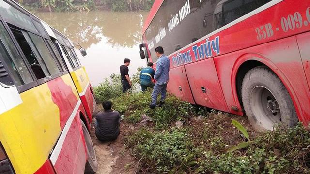 Ninh Bình: Nữ chủ xe khách bị xe buýt tông tử vong - Ảnh 2.