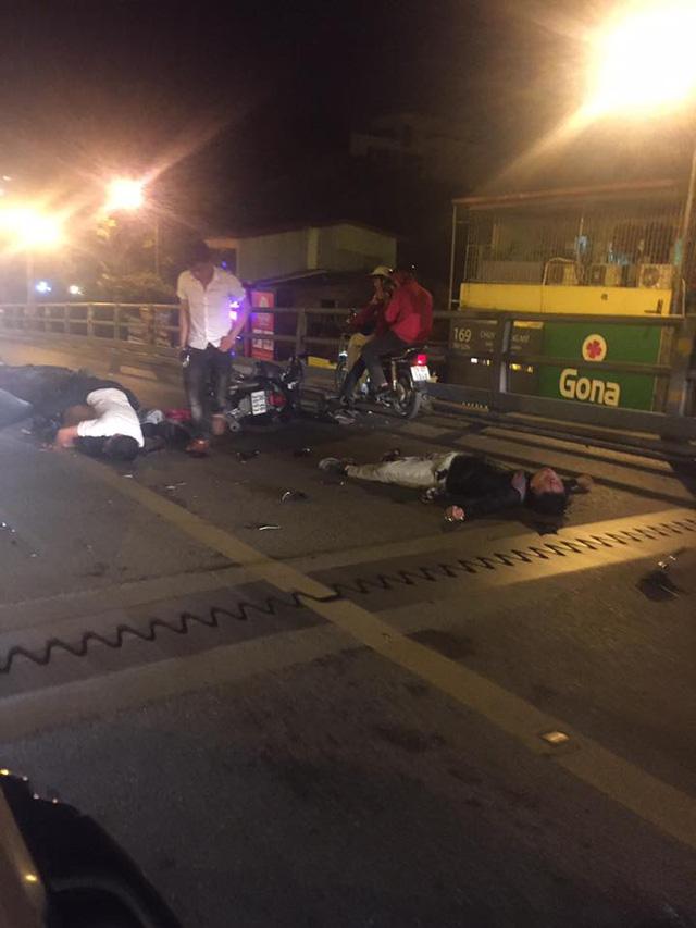 Hà Nội: Honda SH chở 3 tông vào Honda Wave lúc nửa đêm, 1 người tử vong tại chỗ - Ảnh 1.