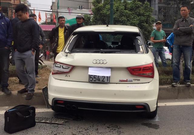 Hà Nội: Tai nạn liên hoàn trên phố, Audi A1 nát đầu - Ảnh 2.