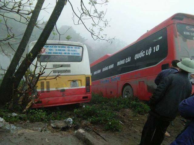 Ninh Bình: Nữ chủ xe khách bị xe buýt tông tử vong - Ảnh 1.