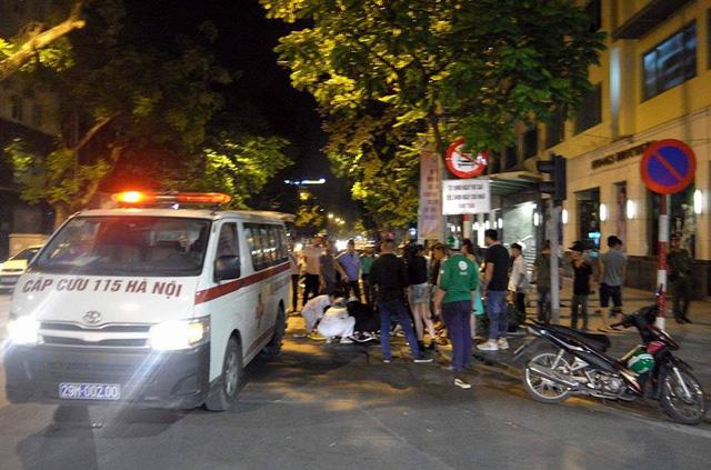Hà Nội: Vụ xe cứu thương gây tai nạn rồi bỏ chạy, tài xế ra trình diện công an - Ảnh 1.