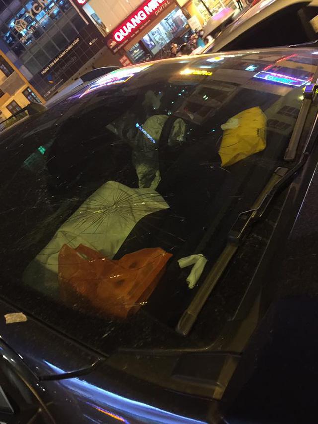 Hà Nội: Vua bán tải Ford Ranger chạy ngược chiều trên phố gây tai nạn liên hoàn - Ảnh 4.