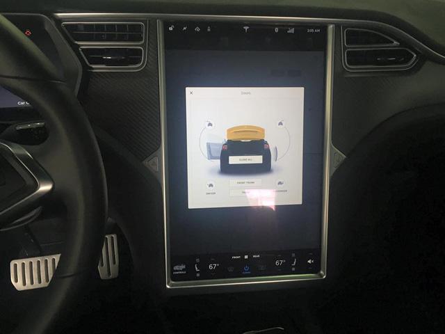 SUV điện Tesla Model X P100D đầu tiên xuất hiện tại Sài thành - Ảnh 11.