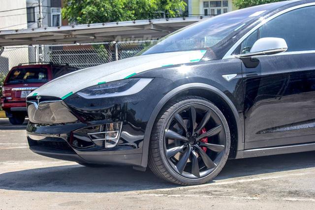 Soi SUV điện Tesla Model X P100D đầu tiên tại Việt Nam - Ảnh 13.