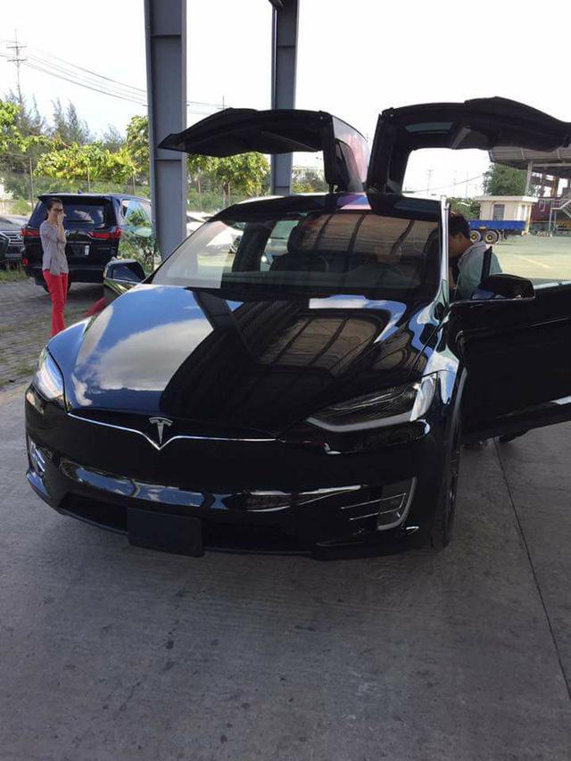 SUV điện Tesla Model X P100D thứ 2 cập bến tại Việt Nam, giá từ 8 tỷ Đồng - Ảnh 7.