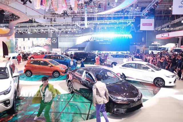 Trực tiếp: Toyota tung MPV hạng sang Alphard - Xe nhỏ Toyota Wigo thách thức Hyundai i10 - Ảnh 2.