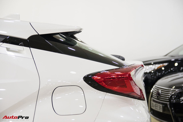 """Ảnh chi tiết Toyota C-HR - hàng """"hot"""" Nhật Bản đầu tiên cập bến Việt Nam - Ảnh 5."""