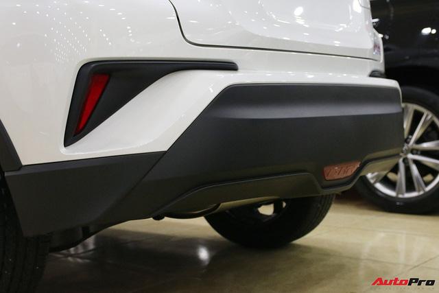 """Ảnh chi tiết Toyota C-HR - hàng """"hot"""" Nhật Bản đầu tiên cập bến Việt Nam - Ảnh 7."""