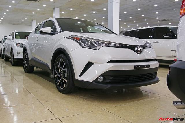 """Ảnh chi tiết Toyota C-HR - hàng """"hot"""" Nhật Bản đầu tiên cập bến Việt Nam - Ảnh 15."""