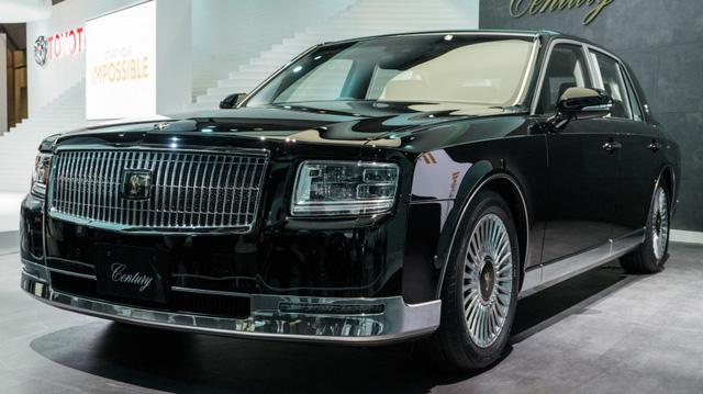 Chiêm ngưỡng vẻ đẹp hoài cổ của limousine 4 cửa Toyota Century 2018 ngoài đời thực