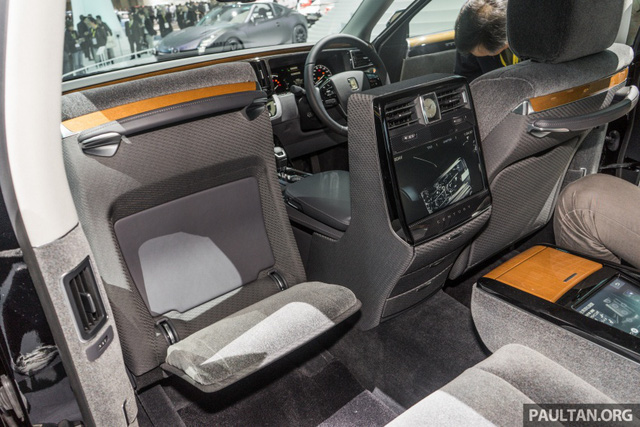Chiêm ngưỡng vẻ đẹp hoài cổ của limousine 4 cửa Toyota Century 2018 ngoài đời thực - Ảnh 13.