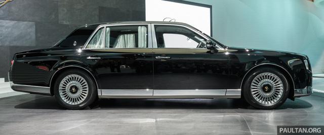 Chiêm ngưỡng vẻ đẹp hoài cổ của limousine 4 cửa Toyota Century 2018 ngoài đời thực - Ảnh 3.