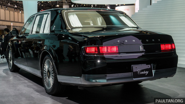 Chiêm ngưỡng vẻ đẹp hoài cổ của limousine 4 cửa Toyota Century 2018 ngoài đời thực - Ảnh 8.