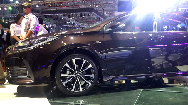 Toyota Corolla Altis ESport 2017 mới ra mắt các khách hàng Việt có gì hot? - Ảnh 5.