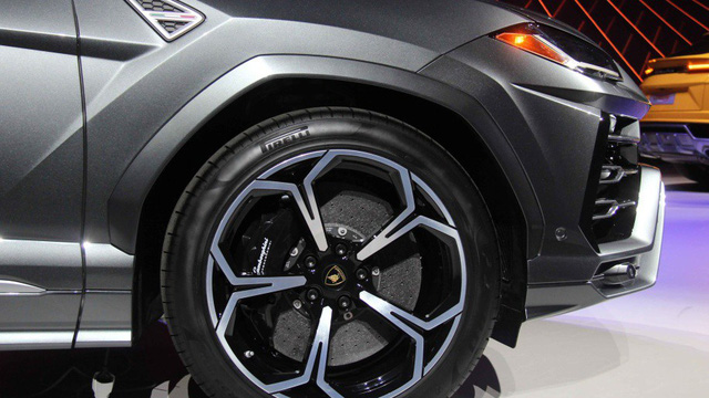 Ảnh thực tế siêu SUV Lamborghini Urus vừa ra mắt - Ảnh 9.