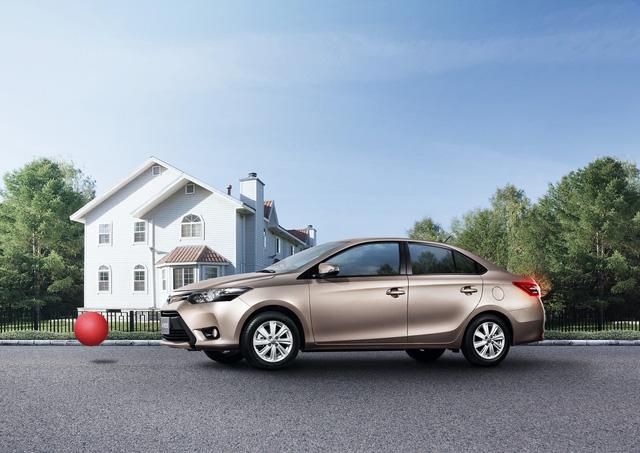 Toyota Việt Nam lại khuyến mại tháng 7,8 cho Vios, Innova và Corolla Altis - Ảnh 1.