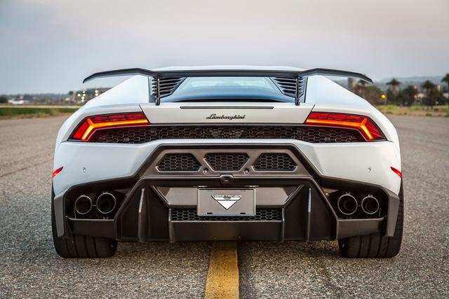 Siêu phẩm Lamborghini Huracan độ Novara đầu tiên tại Việt Nam sắp ra lò - Ảnh 7.