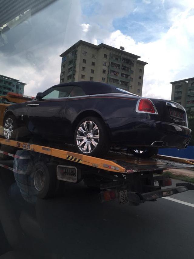 Rolls-Royce Dawn bất ngờ xuất hiện tại Sài thành - Ảnh 3.
