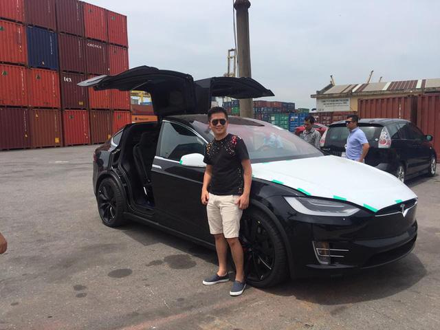 Tesla Model X P100D đầu tiên cập bến Việt Nam - Ảnh 2.