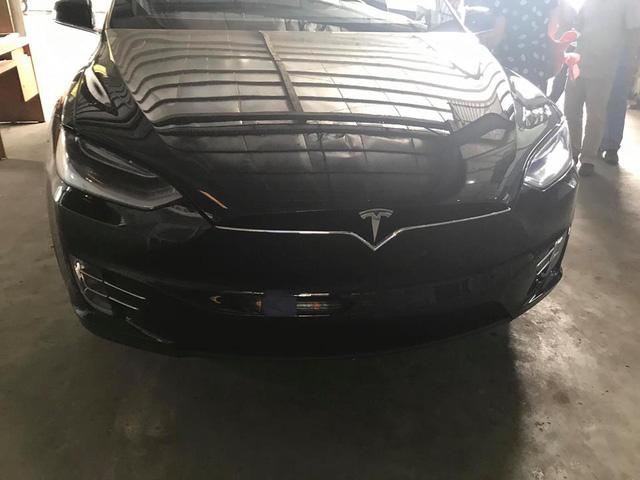 SUV điện Tesla Model X P100D độc nhất Việt Nam được cho đi đăng kiểm - Ảnh 2.