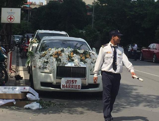 Đại gia Hà Nội rước dâu bằng cặp đôi xe siêu sang Rolls-Royce và dàn xe sang - Ảnh 3.