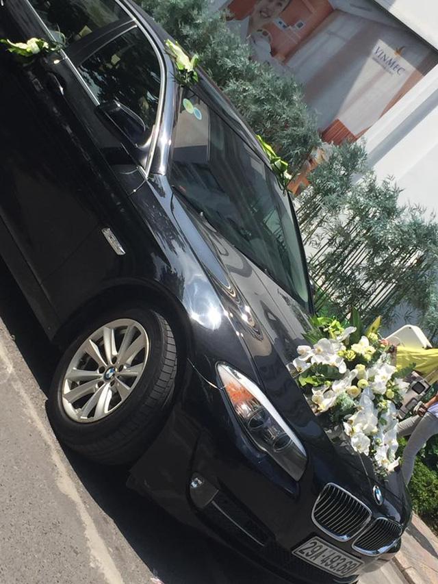 Đại gia Hà Nội rước dâu bằng cặp đôi xe siêu sang Rolls-Royce và dàn xe sang - Ảnh 5.
