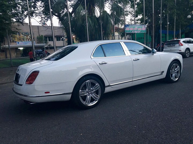Xe siêu sang Bentley Mulsanne cũ được rao bán 5,7 tỷ đồng tại Hà Nội - Ảnh 3.