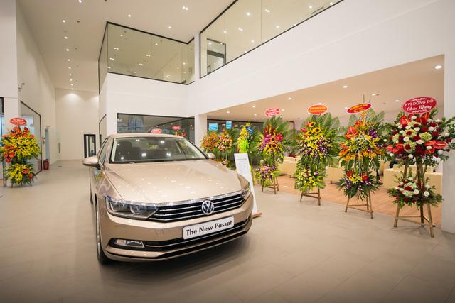 Volkswagen khai trương đại lý đạt chuẩn 4S đầu tiên tại Hà Nội - Ảnh 3.