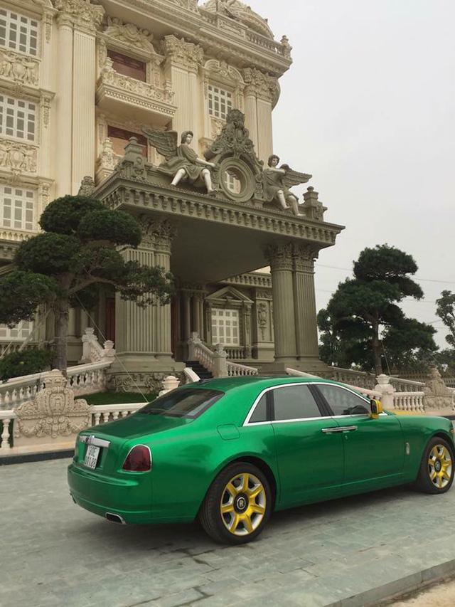 Rolls-Royce Ghost phối màu lạ của đại gia Hà thành - Ảnh 2.