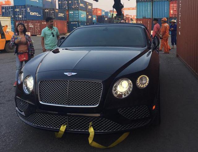 Khui công Bentley Continental GT V8 S mui trần đầu tiên Việt Nam - Ảnh 2.