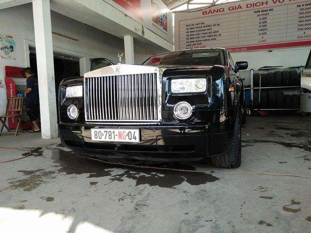 Tay chơi Quảng Bình rước dâu bằng xe siêu sang Rolls-Royce Phantom - Ảnh 2.