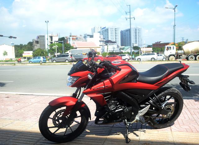 Cận cảnh lô xe côn tay Yamaha V-Ixion R 2017 mới về Việt Nam, giá hơn 70 triệu Đồng - Ảnh 8.