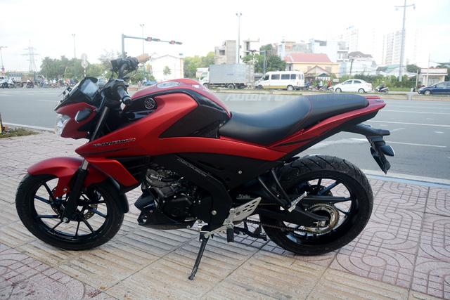 Cận cảnh lô xe côn tay Yamaha V-Ixion R 2017 mới về Việt Nam, giá hơn 70 triệu Đồng - Ảnh 3.