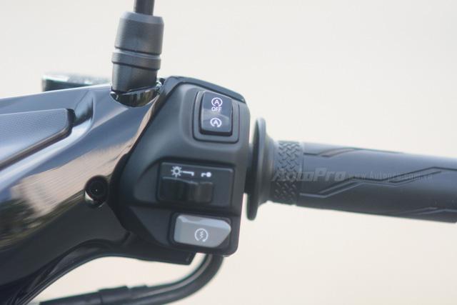 Cận cảnh Yamaha NVX 125, đối thủ chính của Honda Air Blade 125 - Ảnh 9.