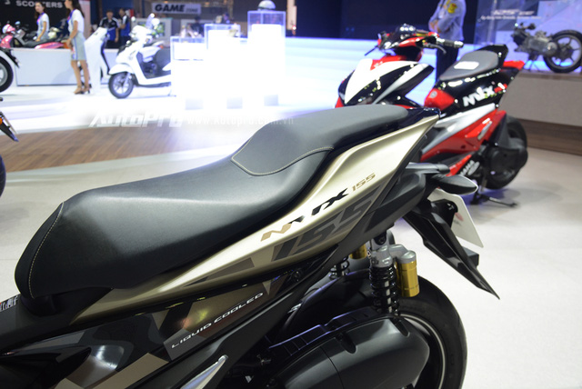 Yamaha trình làng NVX 155 bản giới hạn, khác biệt từ màu sơn và giảm xóc sau - Ảnh 6.