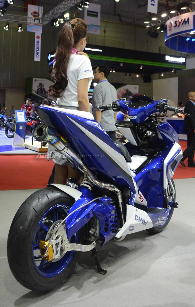 Bộ đôi Yamaha NVX 155 độ chính hãng ấn tượng tại triển lãm VMCS 2017 - Ảnh 16.