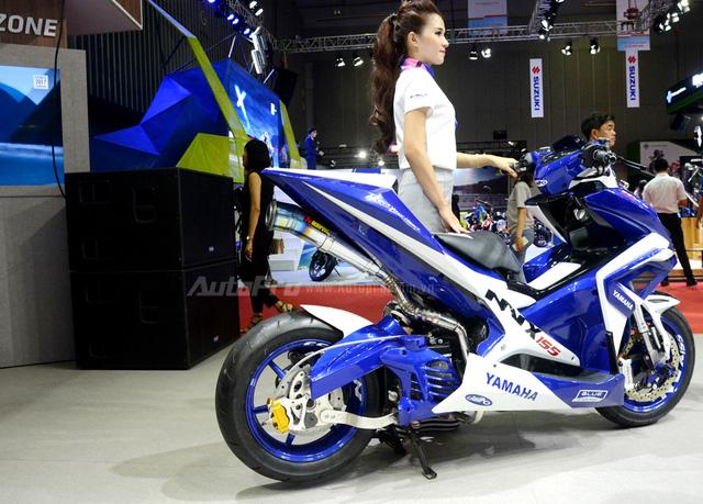 Bộ đôi Yamaha NVX 155 độ chính hãng ấn tượng tại triển lãm VMCS 2017 - Ảnh 5.
