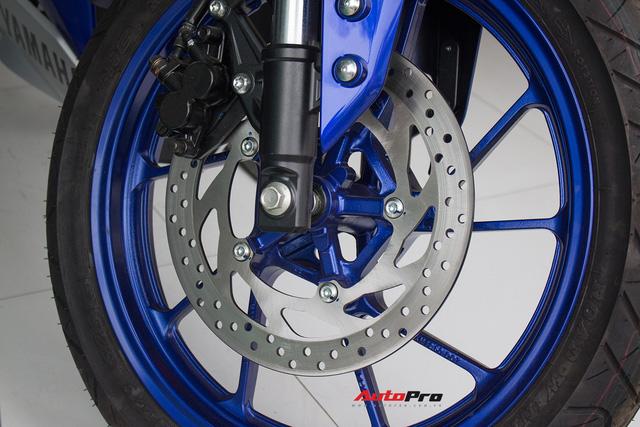 Yamaha R15 bất ngờ xuất hiện tại đại lý chính hãng, giá hơn 90 triệu đồng - Ảnh 6.