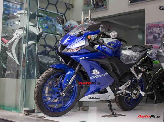 Yamaha R15 bất ngờ xuất hiện tại đại lý chính hãng, giá hơn 90 triệu đồng - Ảnh 1.