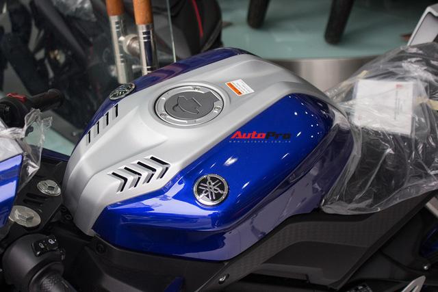 Yamaha R15 bất ngờ xuất hiện tại đại lý chính hãng, giá hơn 90 triệu đồng - Ảnh 4.