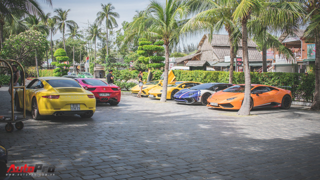 Minh Nhựa, Cường Đô-la cùng dàn siêu xe đầy màu sắc du xuân tại Phan Thiết - Ảnh 17.