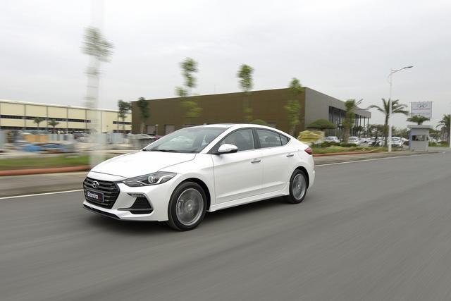 Đấu Mazda3, Hyundai Elantra Sport giá 729 triệu đồng tại Việt Nam - Ảnh 17.
