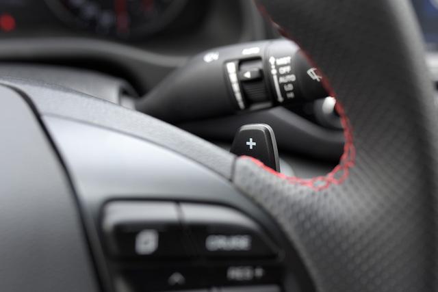 Đấu Mazda3, Hyundai Elantra Sport giá 729 triệu đồng tại Việt Nam - Ảnh 15.