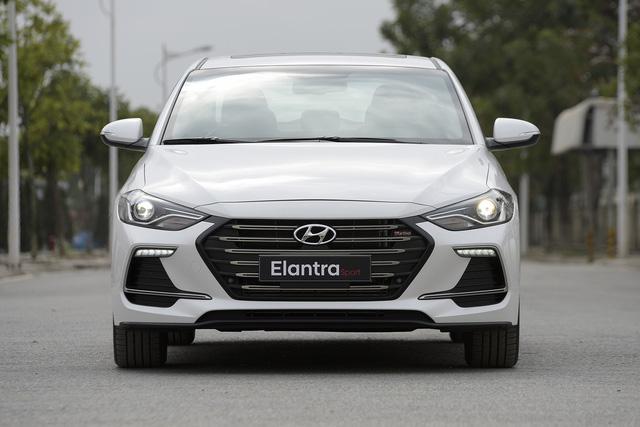 Đấu Mazda3, Hyundai Elantra Sport giá 729 triệu đồng tại Việt Nam - Ảnh 6.