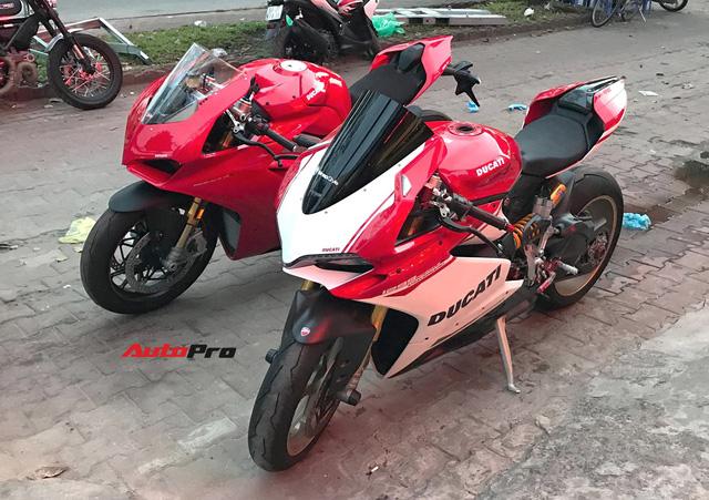 Biker Hà Nội chi 1,6 tỷ đồng tậu Ducati Panigale V4 S đầu tiên tại Việt Nam - Ảnh 2.
