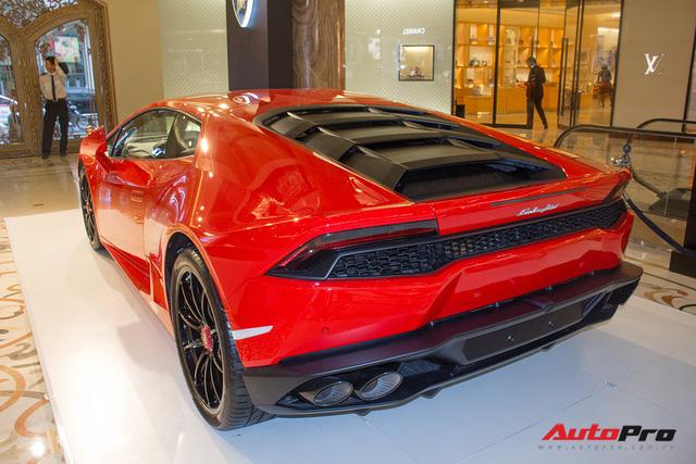 Lamborghini Huracan chính hãng dán tem cờ đỏ sao vàng cổ vũ U23 Việt Nam - Ảnh 7.