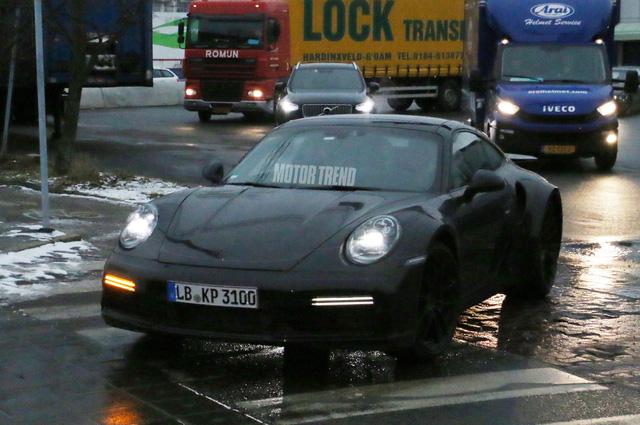 Porsche 911 Turbo thế hệ mới xuất đầu lộ diện - Ảnh 1.