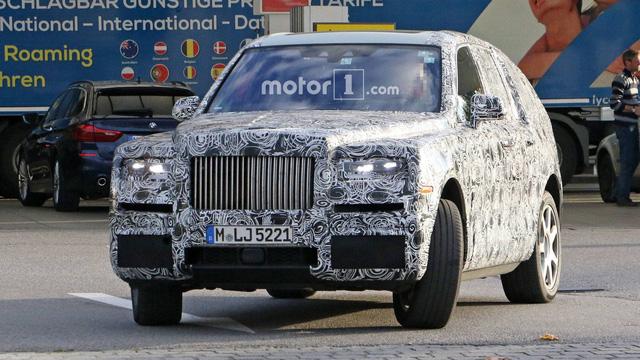SVU siêu sang đầu tiên của Rolls-Royce sẽ bí mật chào hàng giới siêu giàu - Ảnh 3.