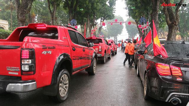 Hàng chục chiếc Chevrolet diễu hành quanh Hà Nội ủng hộ U23 Việt Nam - Ảnh 5.
